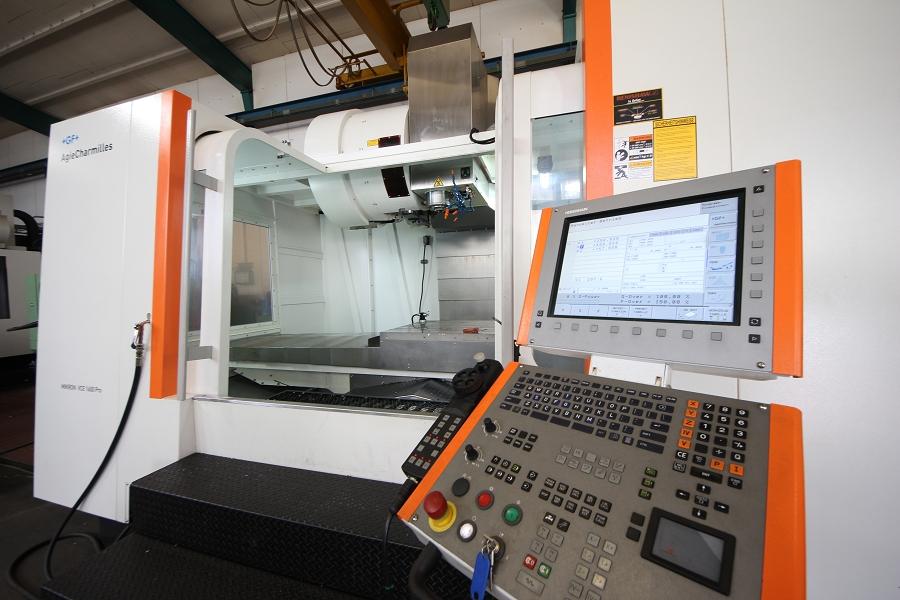 Centro di lavoro di precisione a 3 assi Micron VCE 1600 PRO